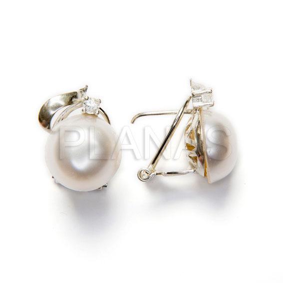 30734bd7b5 pendientes en plata de ley y perla sintetica con circonita redonda