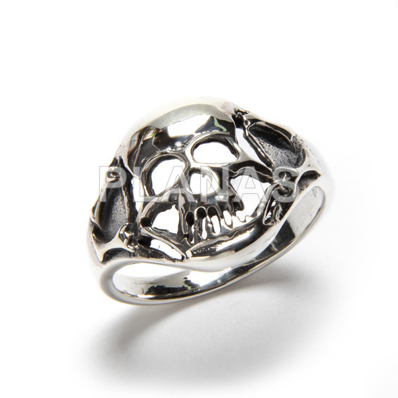 Smooth silver ring with musical notes