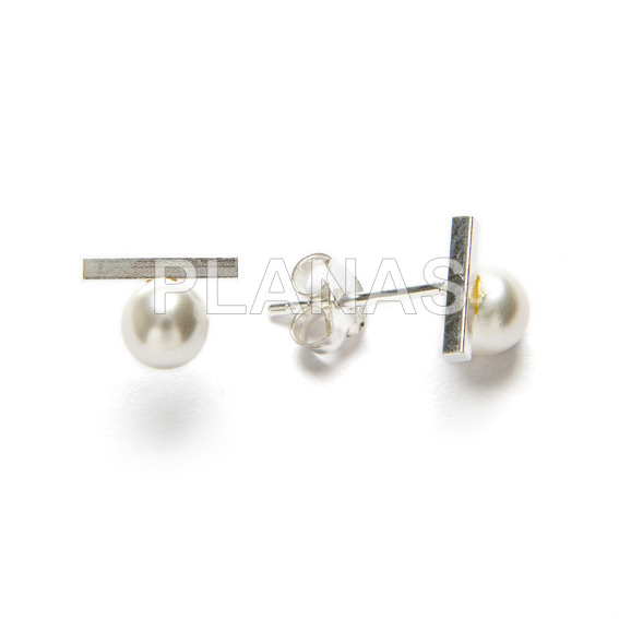 Earrings in sterling silver and cultured pearl