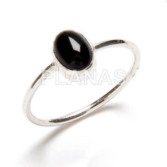 Ring in sterling silver and natural onyx.