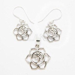 Set Silver Earrings and Pendant