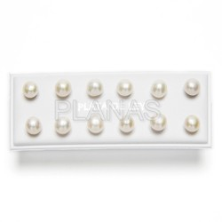 Cultured pearl earrings display 6 pr
