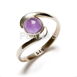 Ring in sterling silver and natural amethyst.
