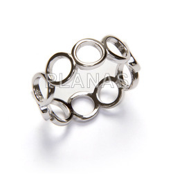 Ring in rhodium sterling silver circles.