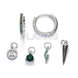 Earrings in rhodium sterling silver and emerald zircons, with 4 accessories to combine.