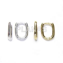 Oval hoops in sterling silver.