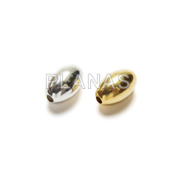 Silver 8x5mm oval ball.